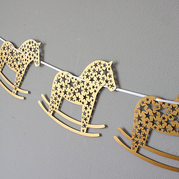 normal_laser-cut-rocking-horse-bunting